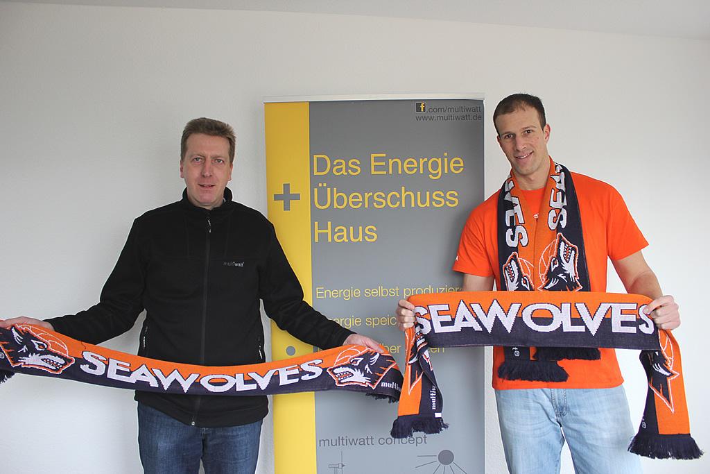 Neue Fanschals für die Rostock Seawolves